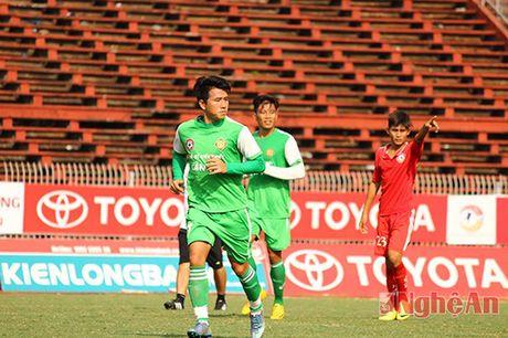 Quang Tinh ung ho Barca, Que Ngoc Hai dat hy vong o Real - Anh 1