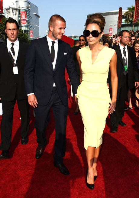 Ro tin don vo chong Beckham duong ai nay di - Anh 2