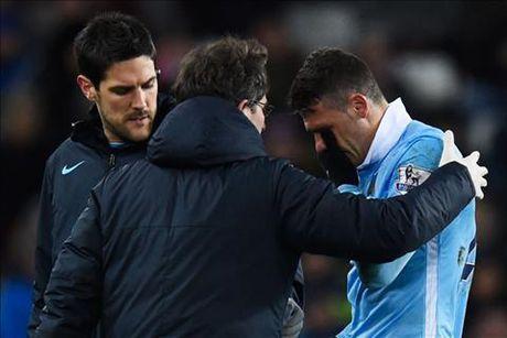 HLV Pellegrini thua nhan cau thu Man City ca do trai phep - Anh 1