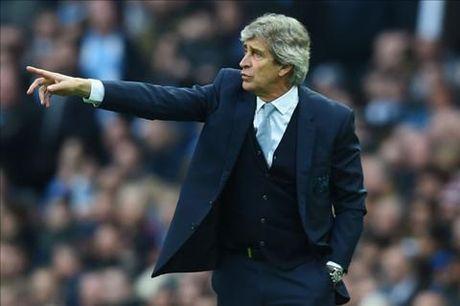 HLV Pellegrini thua nhan cau thu Man City ca do trai phep - Anh 2
