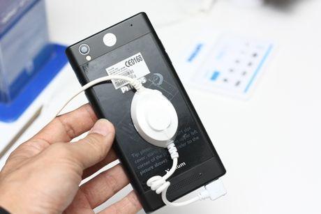 Philips ra mat thi truong Viet Nam 2 smartphone tranh hai mat - Anh 5