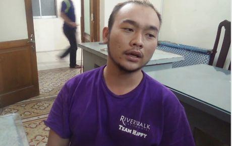 Ke tat axit 2 nu sinh o Sai Gon muon xin loi nan nhan - Anh 1