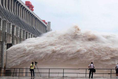 Trung Quoc doi mat voi ngap lut nang vi El Nino - Anh 1