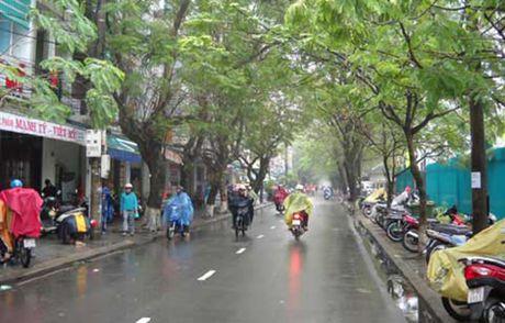 Thoi tiet 2/4: Mien Bac mua phun, mien Nam nang nong - Anh 1