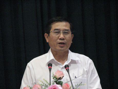 Chu tich Tien Giang: De mat ATGT la co loi voi dan - Anh 1