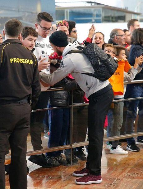 TRUC TIEP Barca - Real Madrid: Zidane va cac hoc tro da den Camp Nou - Anh 4
