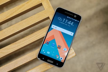Anh thuc te HTC 10: Thiet ke quen thuoc, chuyen nghe nhac - Anh 1