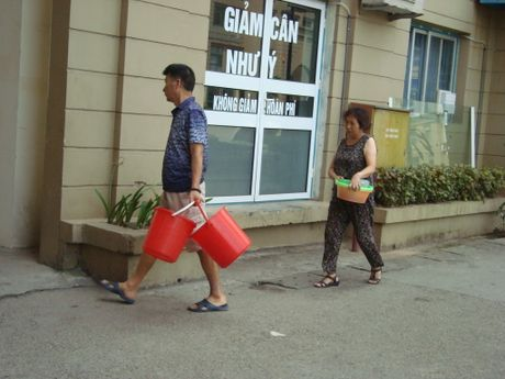 Ha Noi: Biet doc, dan van phai khoan nen nha lay nuoc an - Anh 2