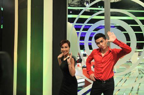 """Uyen Linh len truyen hinh xoa bo nghi an """"chanh"""" - Anh 4"""