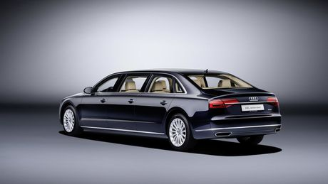 Audi A8 L sau cua - Phien ban danh cho Hoang gia - Anh 3