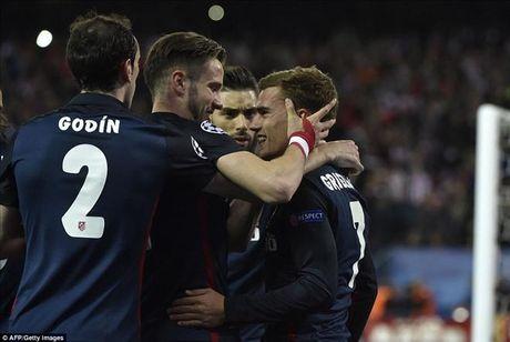 Atletico Madrid 2-0 Barcelona: Griezmann khien 'loi nguyen' Champions League linh nghiem - Anh 2