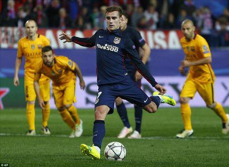 Atletico Madrid 2-0 Barcelona: Griezmann khien 'loi nguyen' Champions League linh nghiem - Anh 5