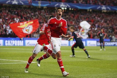 Vuot qua Benfica, Bayern cua Pep Guardiola tiep buoc Man City, Real va Atletico vao ban ket - Anh 2