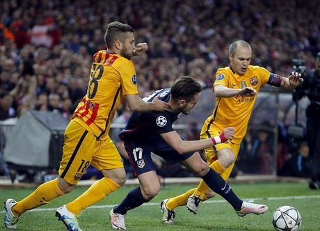 "Messi ""giau nuoc mat"" nhin Atletico gianh ve vao ban ket Champions League - Anh 1"