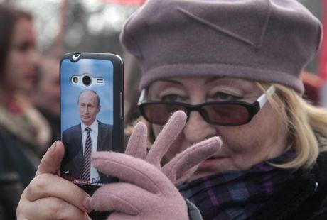 Doc dao muon kieu ung ho Tong thong Putin - Anh 3