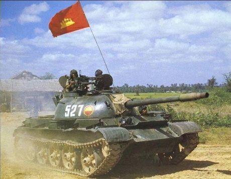Anh cuc hiem xe tang Type 62 cua Campuchia - Anh 1