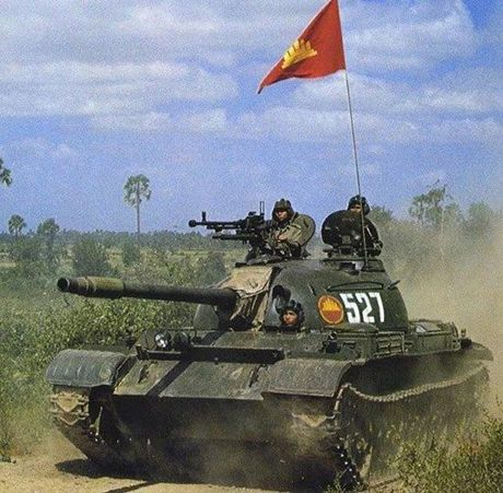 Anh cuc hiem xe tang Type 62 cua Campuchia - Anh 6