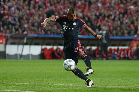Dang cap dua Bayern vao ban ket Champions League - Anh 2