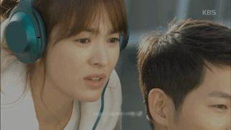 Hau due Mat Troi tap 15: Song Joong Ki tro ve tu coi chet - Anh 1