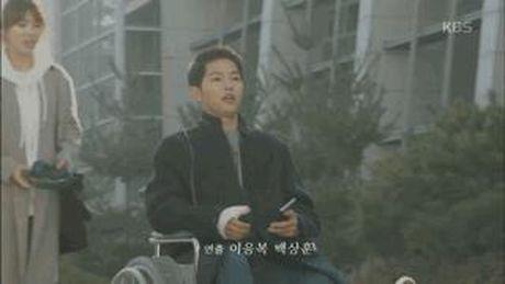 Hau due Mat Troi tap 15: Song Joong Ki tro ve tu coi chet - Anh 2