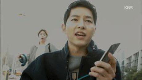 Hau due Mat Troi tap 15: Song Joong Ki tro ve tu coi chet - Anh 3