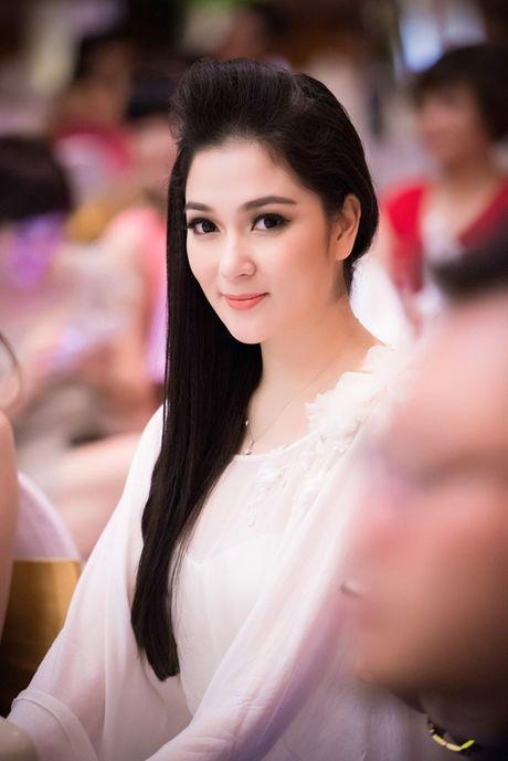 Dan Hoa hau, A hau vo tinh ben duyen voi VTV - Anh 7
