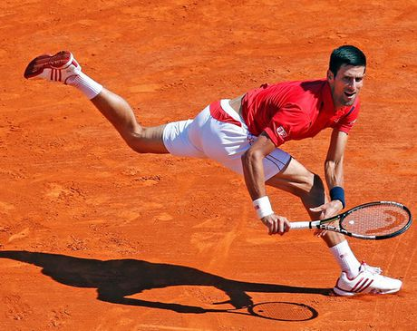Djokovic lap ky luc buon voi cu soc Vesely - Anh 2