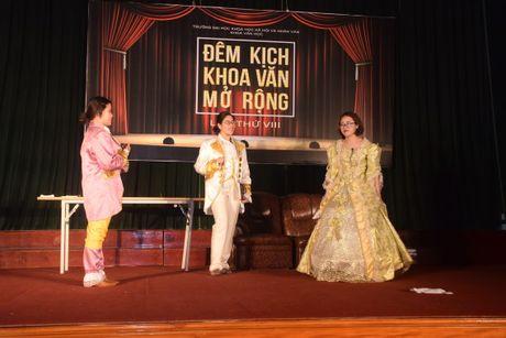 NSND Le Khanh, Duc Khue hoa minh voi dem kich cua sinh vien - Anh 2