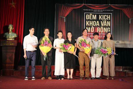NSND Le Khanh, Duc Khue hoa minh voi dem kich cua sinh vien - Anh 5