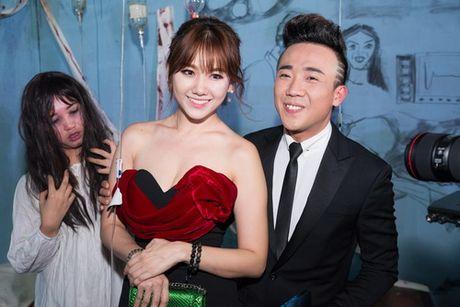 "Tran Thanh - Hari Won lien tuc tinh tu ""gay bao"" - Anh 3"