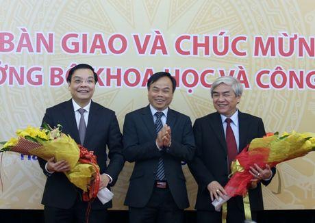 Ban giao cong tac va chuc mung Bo truong Bo Khoa hoc va Cong nghe Chu Ngoc Anh - Anh 6