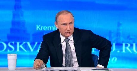 """Truc tiep voi Putin: """"Neu Poroshenko va Erdogan duoi nuoc, cuu ai truoc?"""" - Anh 1"""