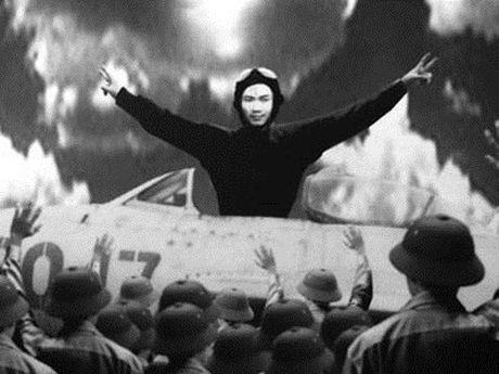 Phi cong Viet ban ha 9 may bay My va vu khong chien nghet tho - Anh 2
