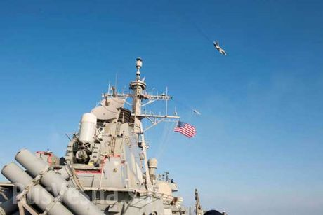 Video: Can canh Su-24 Nga luot sat sat khu truc ham My USS Donald Cook - Anh 3