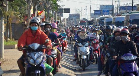 90 trieu dan Viet dang lam giau cho Honda, Yamaha, Piaggio nhu the nao? - Anh 1