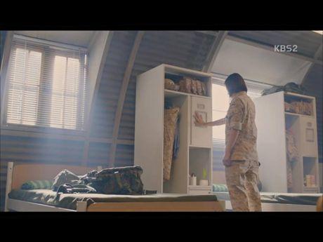 Hau due mat troi tap 15: Song Hye Kyo, Kim Ji Won khoc het nuoc mat khi hay tin ban trai hy sinh - Anh 19