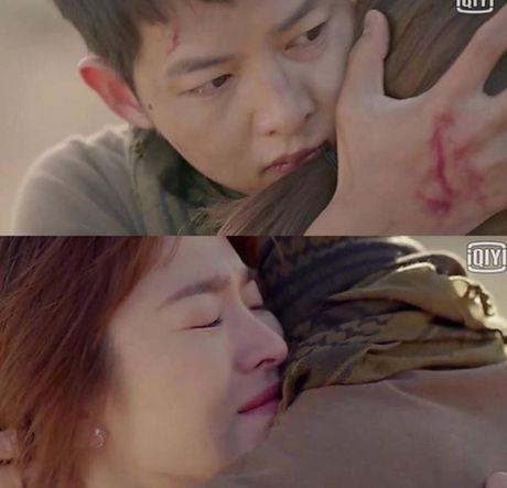 Hau due mat troi tap 15: Song Hye Kyo, Kim Ji Won khoc het nuoc mat khi hay tin ban trai hy sinh - Anh 22