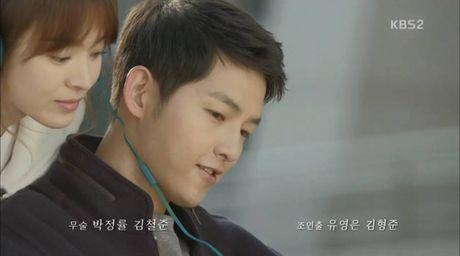 Hau due mat troi tap 15: Song Hye Kyo, Kim Ji Won khoc het nuoc mat khi hay tin ban trai hy sinh - Anh 2