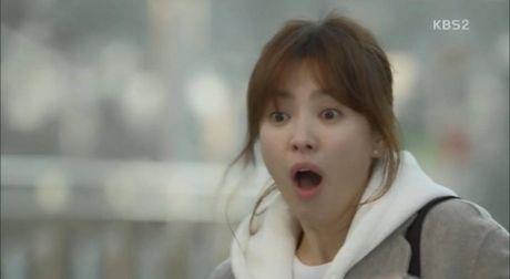 Hau due mat troi tap 15: Song Hye Kyo, Kim Ji Won khoc het nuoc mat khi hay tin ban trai hy sinh - Anh 3