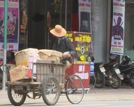Xe banh my tu thien chan chua tinh nguoi tai Quang Ngai - Anh 3