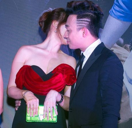 Tran Thanh cham soc chu dao cho 'nguoi tinh hon tuoi' Hari Won - Anh 5