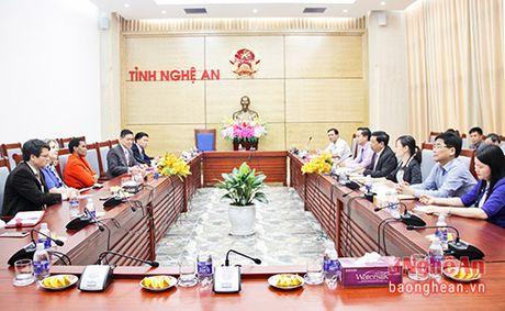 Dai su quan Cong hoa Nam Phi tham va lam viec tai Nghe An - Anh 2