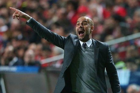 Vuot qua Benfica, Pep Guardiola dung ngang hang voi Sir Alex - Anh 1