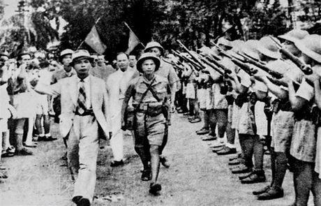 Hai bo sach quan trong ve lich su quan su Viet Nam - Anh 2