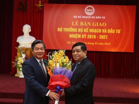 Tan Bo truong Nguyen Chi Dung: Tiep tuc thap sang ngon lua doi moi va cai cach - Anh 3