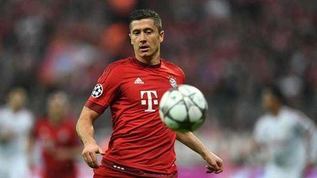 Lewandowski vuong tai nan giao thong truoc tran dau voi Benfica - Anh 2