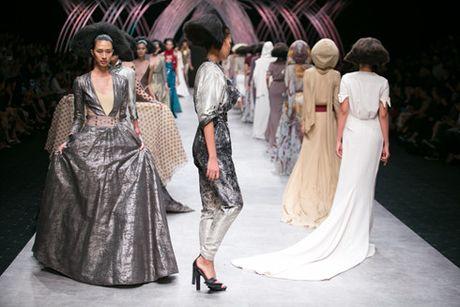 6 diem moi khong the bo qua o Vietnam International Fashion Week 2016 - Anh 1