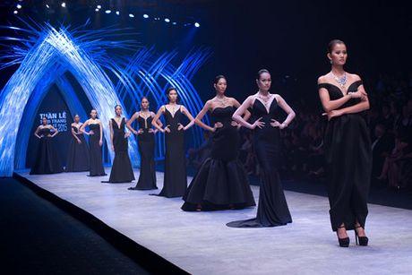 6 diem moi khong the bo qua o Vietnam International Fashion Week 2016 - Anh 6