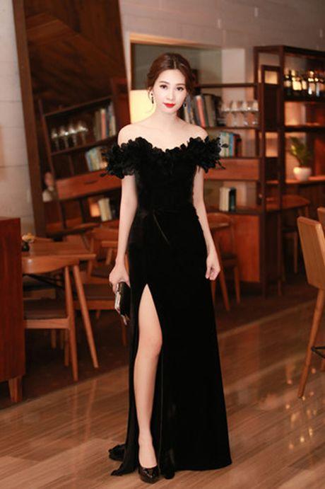 Hoa hau Dang Thu Thao bi nghi mac vay nhai - Anh 1