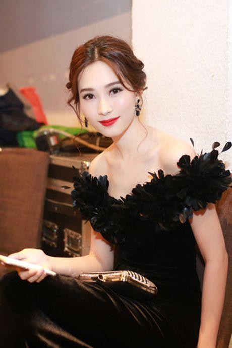 Hoa hau Dang Thu Thao bi nghi mac vay nhai - Anh 3